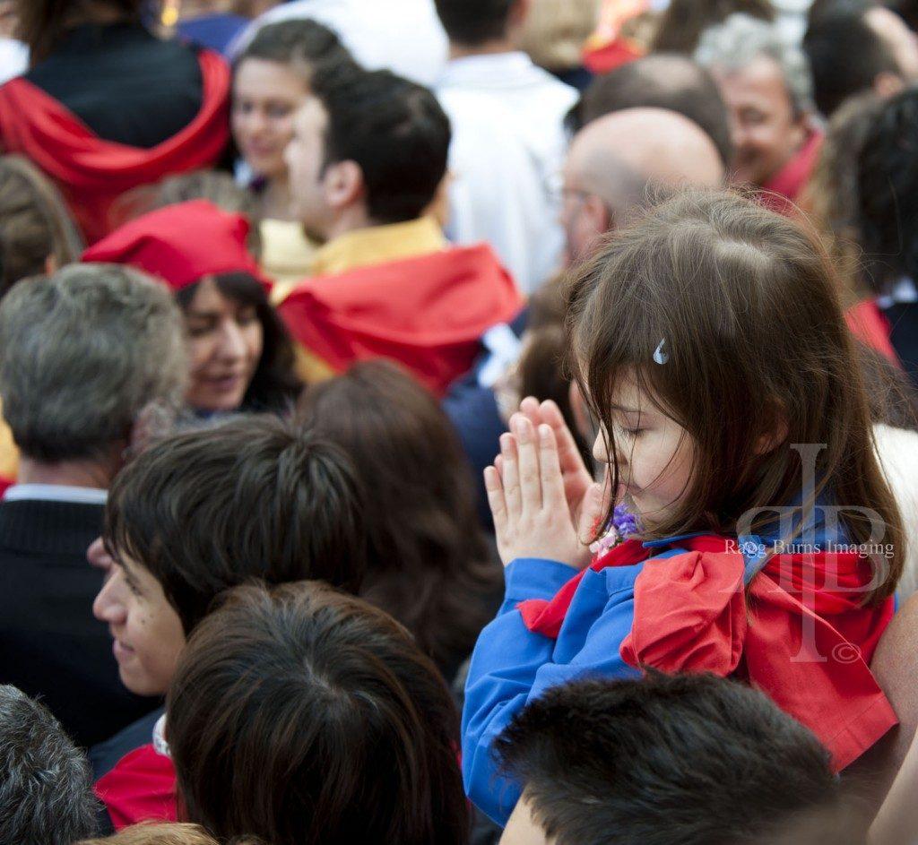 Ceri Di Gubbio Child Clapping