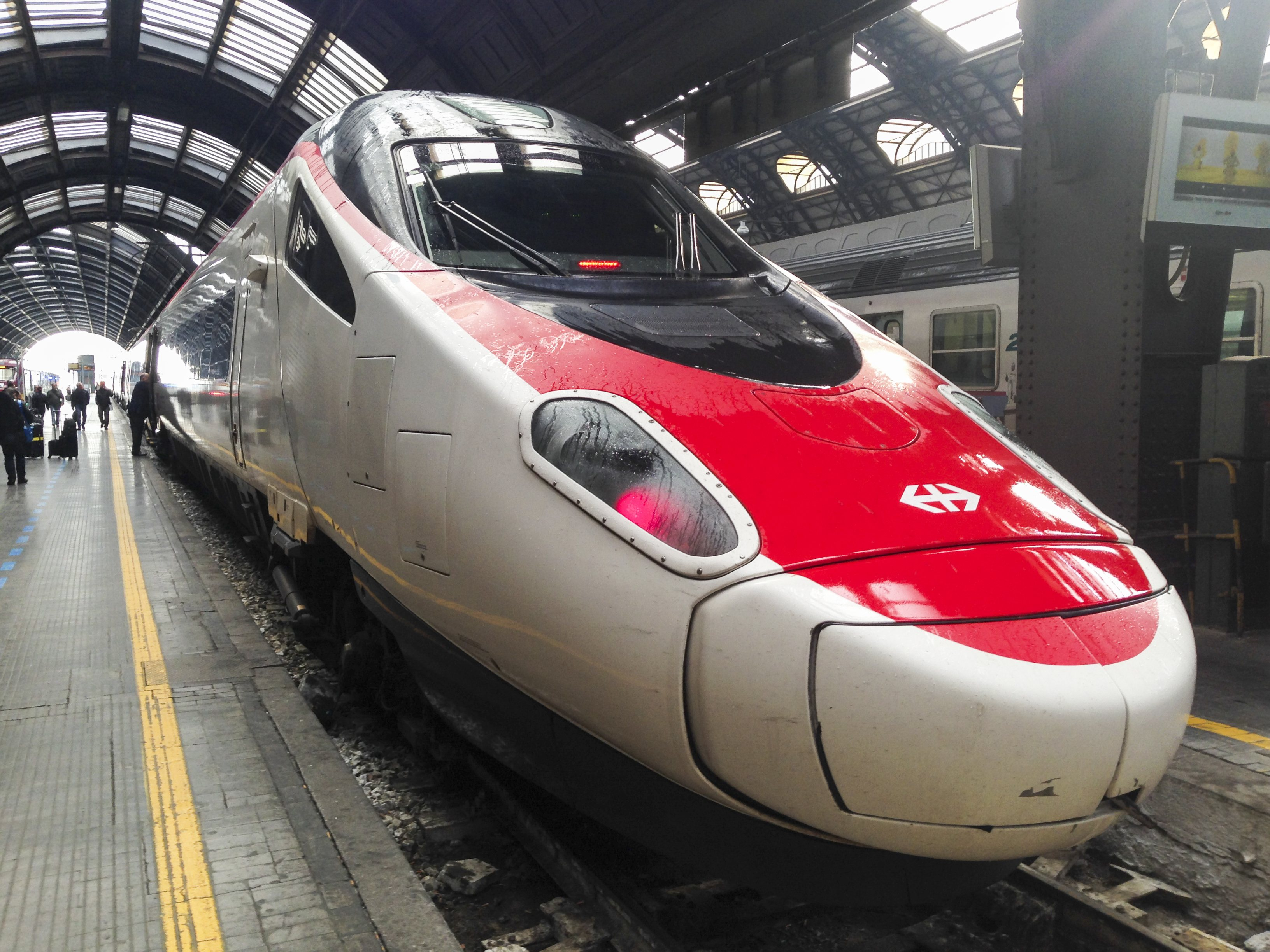 swiss train frecciarossa