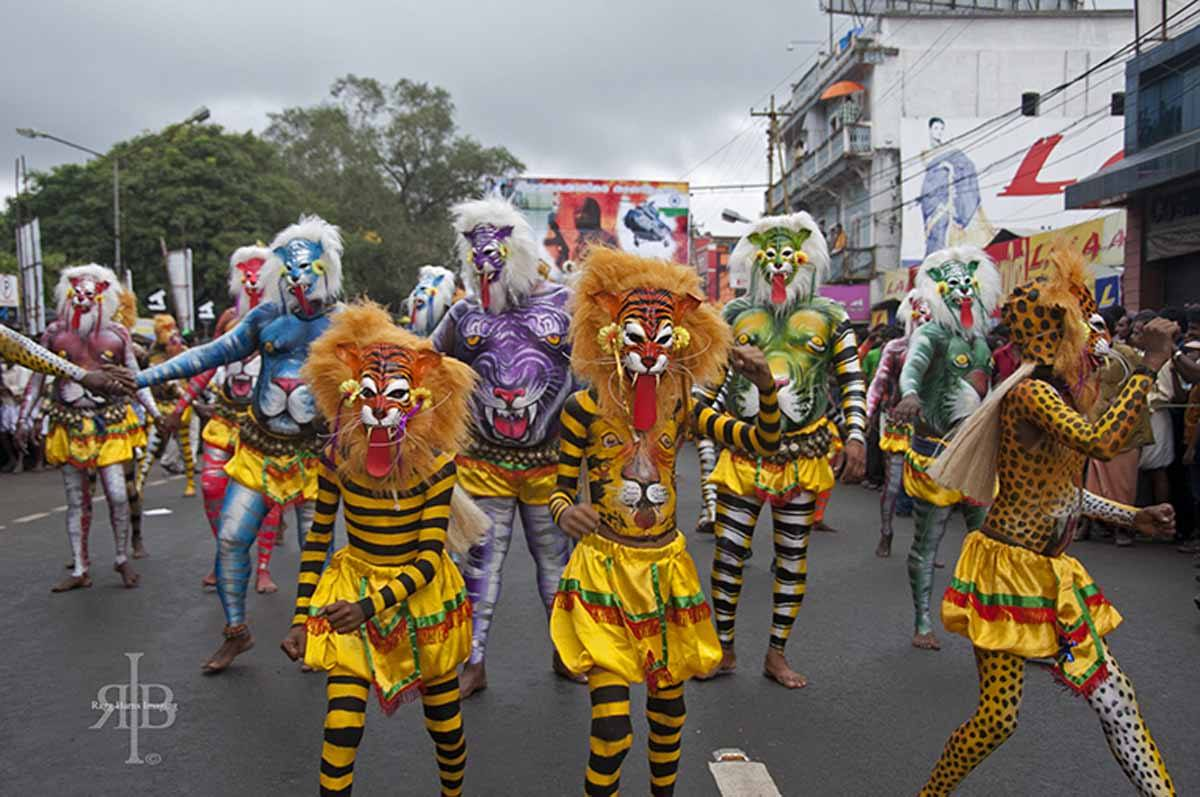 India-Pulikkali-tiger-kids
