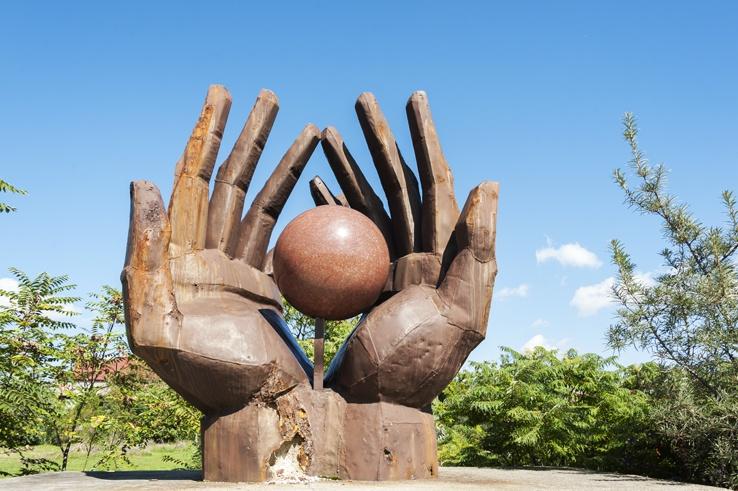 Budapest Memento park hands