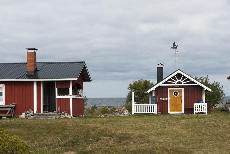 Maakalla island houses