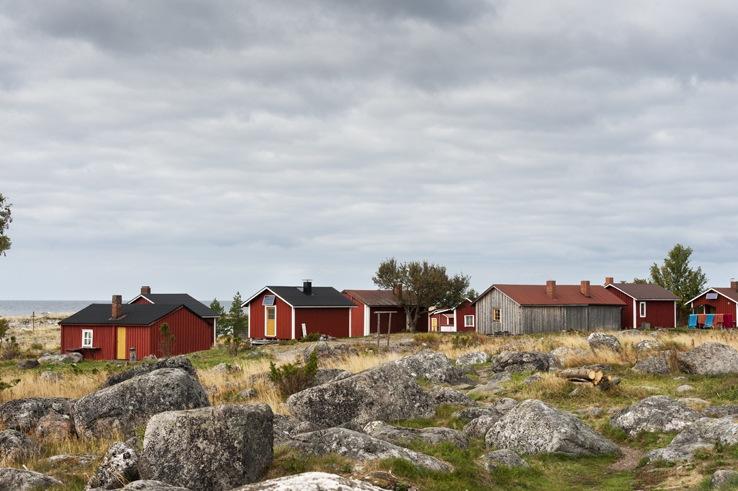 Maakalla island village view