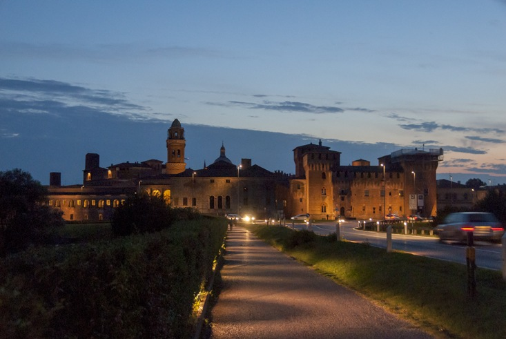 Mantua palazzo ducale night