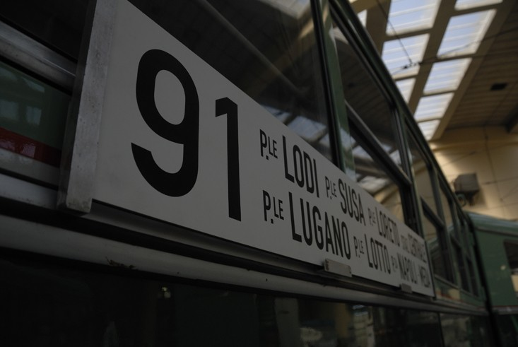 91 bus sign milan
