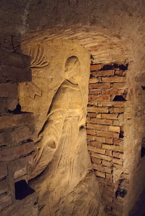 osimo underground st francis carving