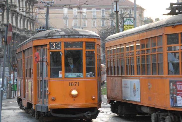 2 vintage tram milan