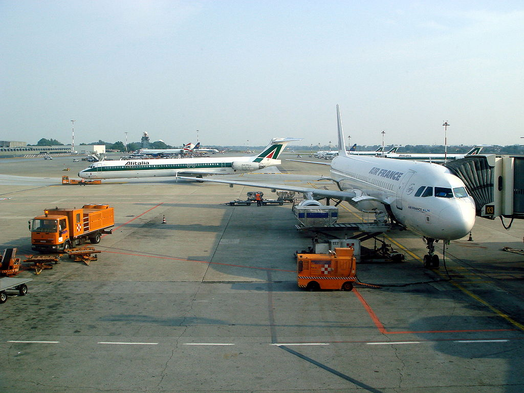 milan airports linate