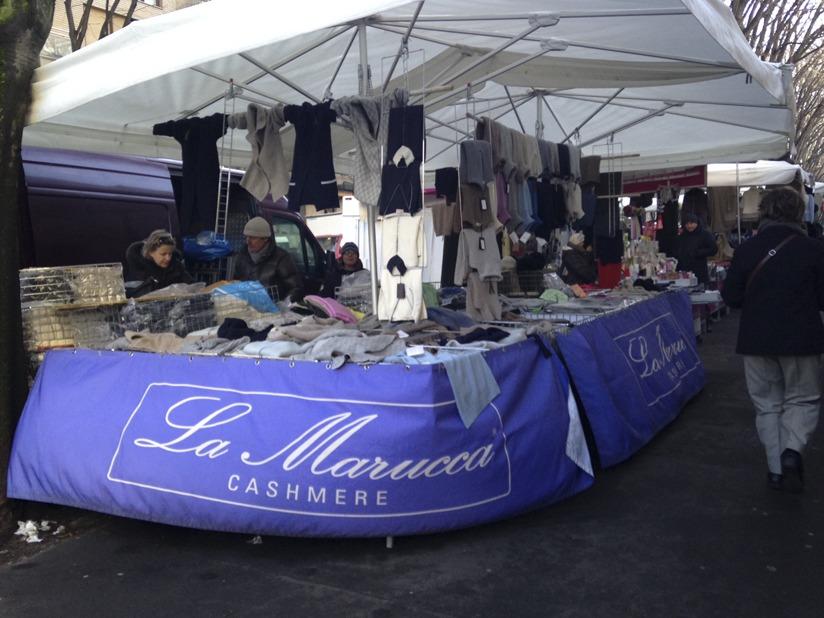 milan market cashmere stall