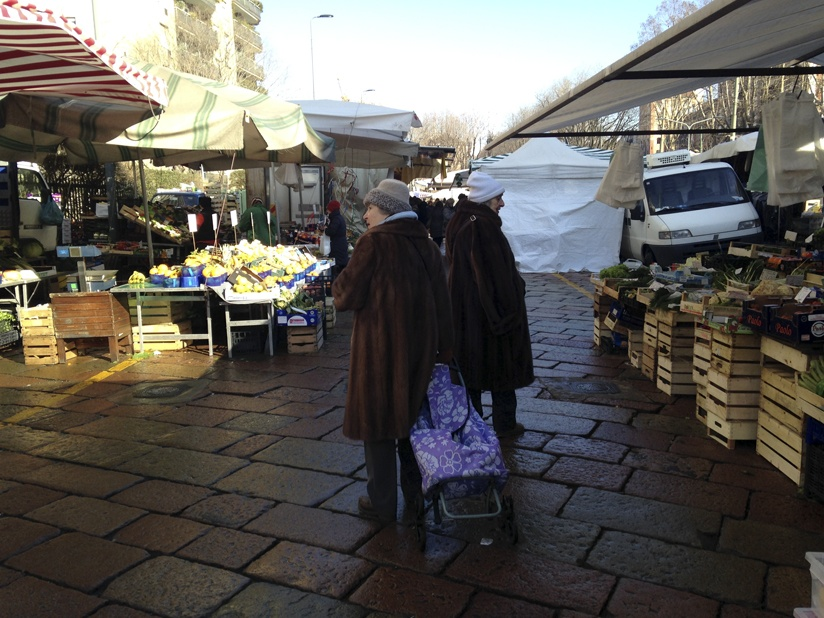 milan market fur ladies