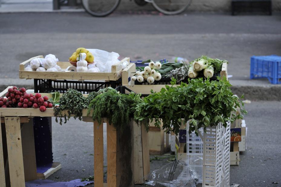 milan market stall