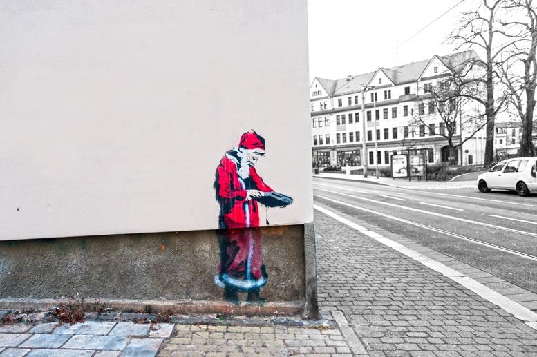 Dresden santa stencil