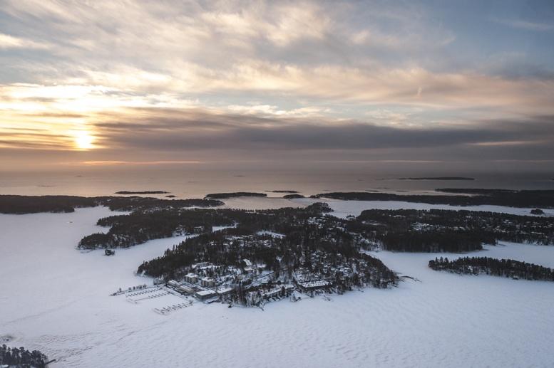 helsinki islands frozen sea helicopter