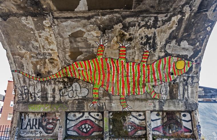 street art milan lizard
