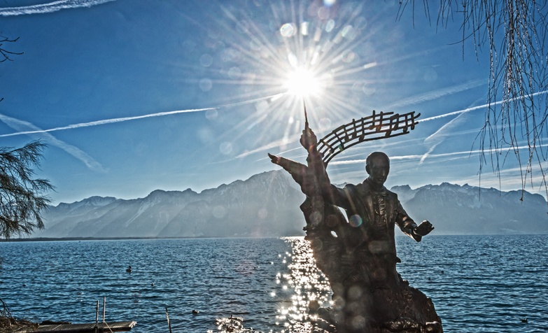 stravinsky statue sun flare montreux