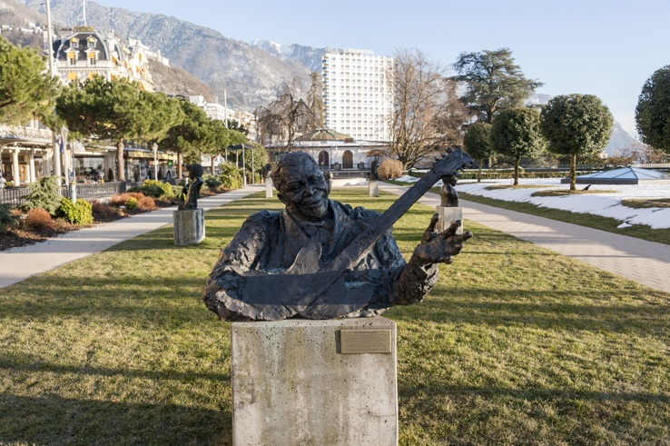 bb king statue montreux