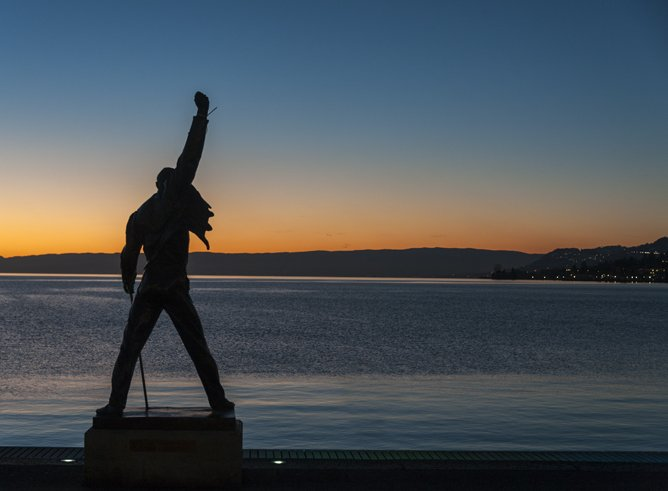 Freddie mercury statue montreux sunset