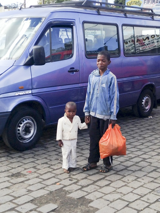 madagascar kids bus station