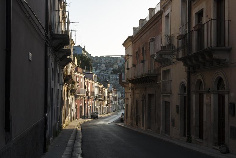 ragusa ibla street sunset