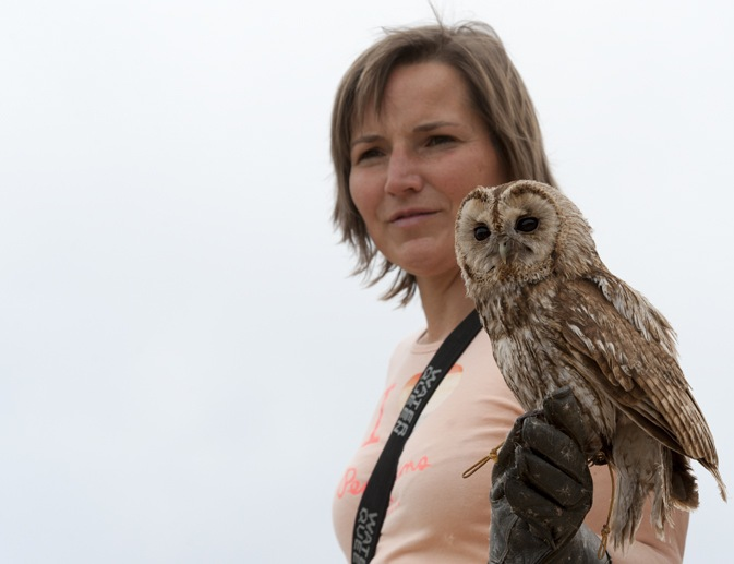 stania with tawny owl zoo pyrenees