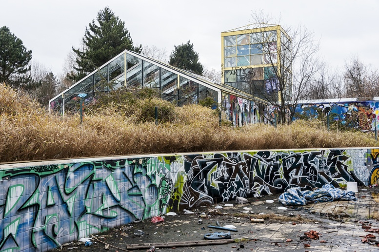 blub abandoned water park berlin