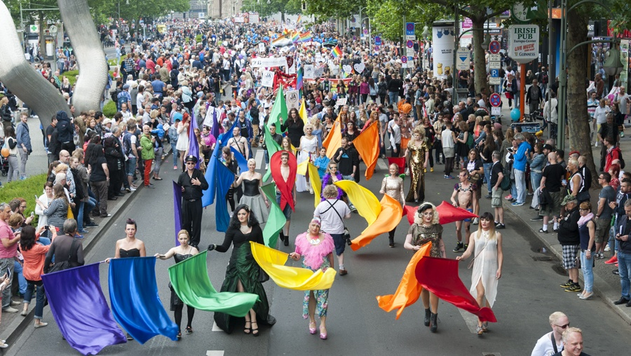 Berlin CSD crowd flags