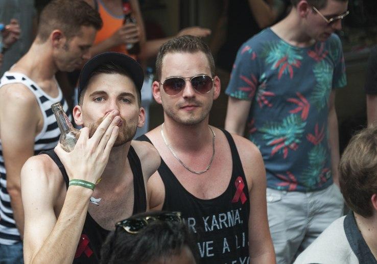 cologne pride parade blowing kiss