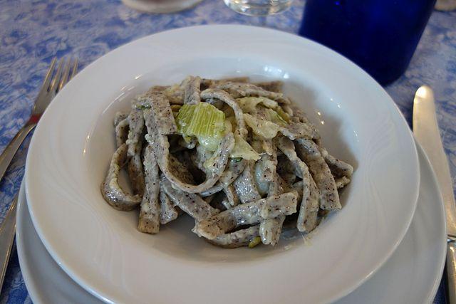 italian dishes pizzoccheri