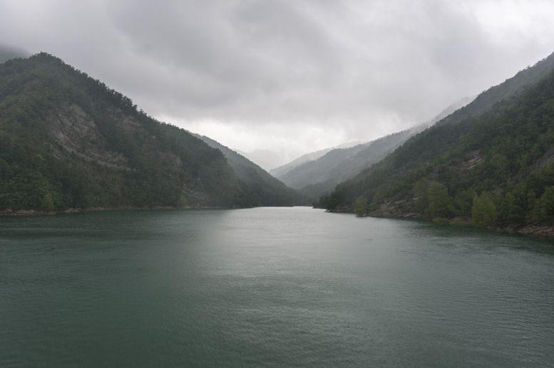 ridracoli lake mist