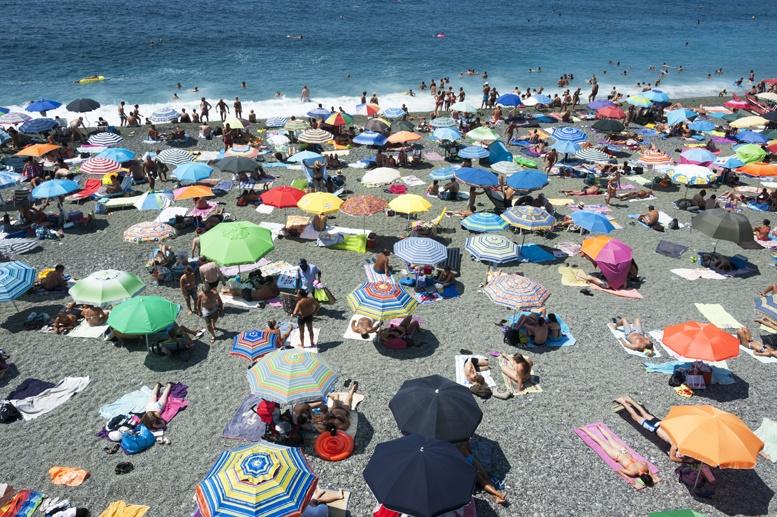 levanto liguria free beach