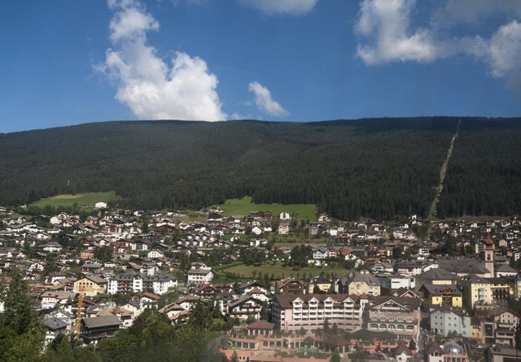 siusi cable car from ortisei