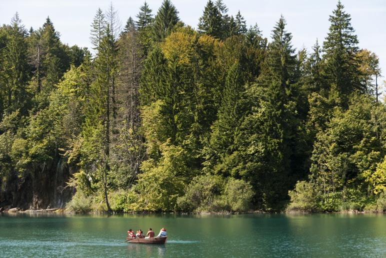 croatia plitvice lake boat