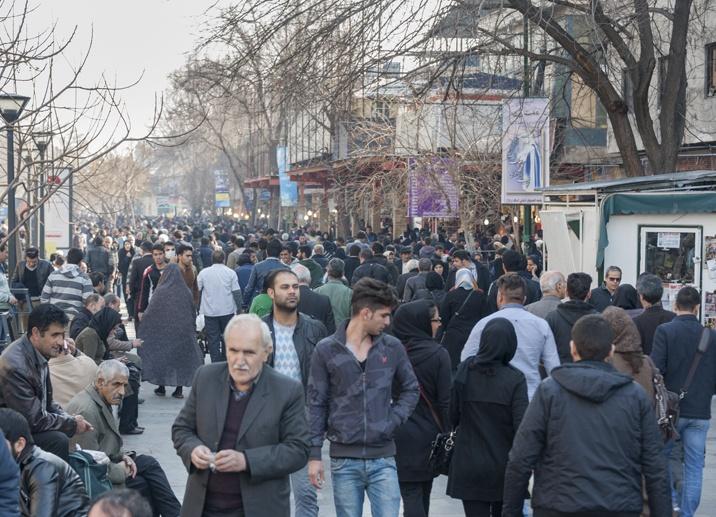 tehran bazaar crowds
