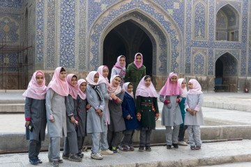 people of isfahan schoolgirls