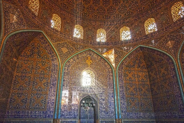 Isfahan sheik lotfollah mosque