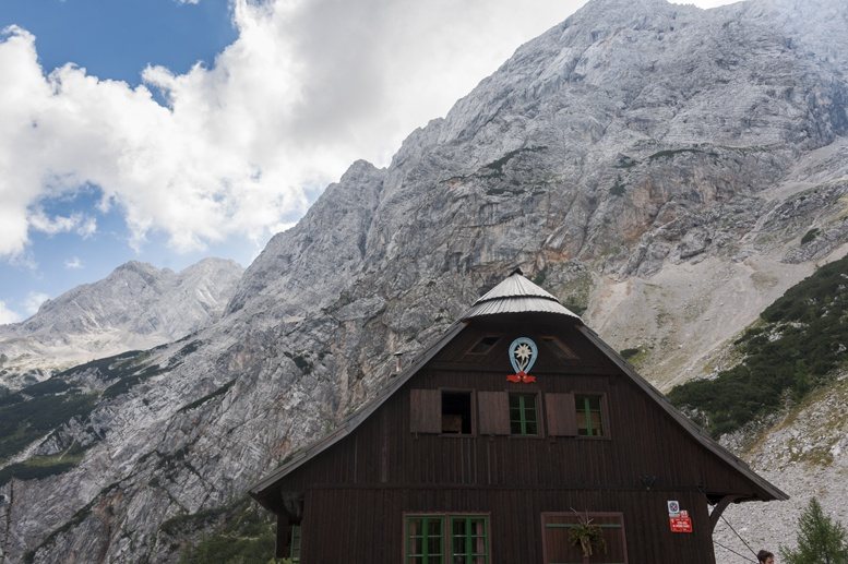 hiking slovenia ceska koca hut