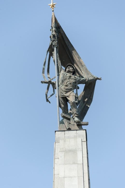 slavin soviet memorial bratislava statue