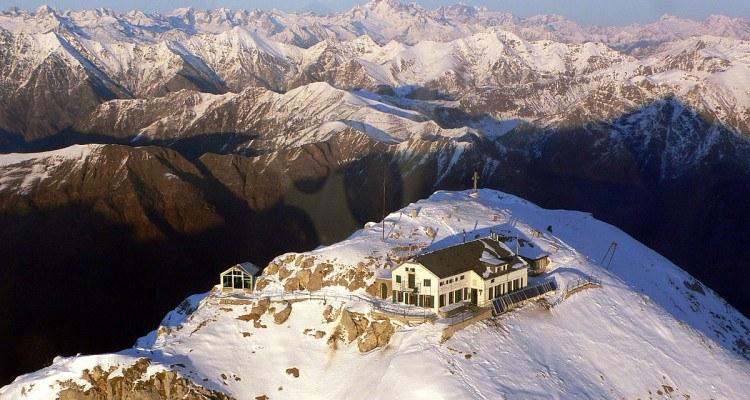 livigno ski rifugio luigi brioschi winter