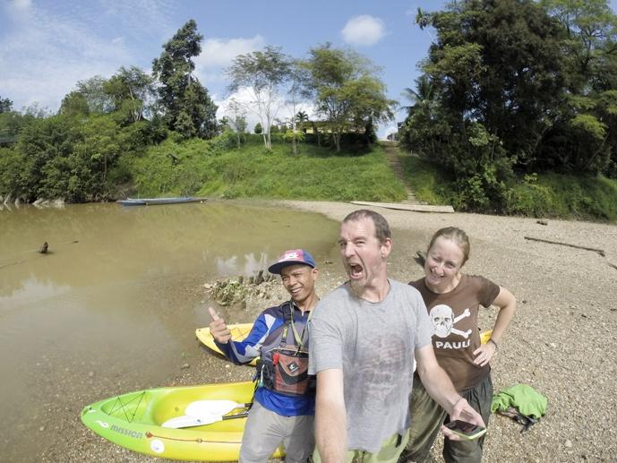 selfie sarawak kayak borneo