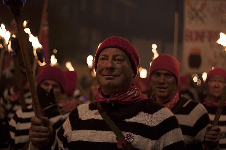 lewes bonfire night participants