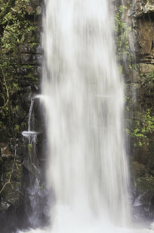 iguazu waterfall splash