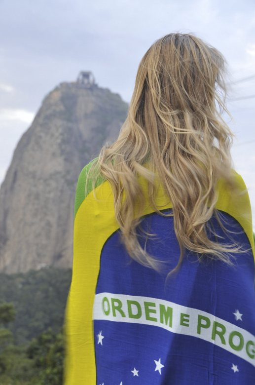 rio insider tips sugarloaf girl flag