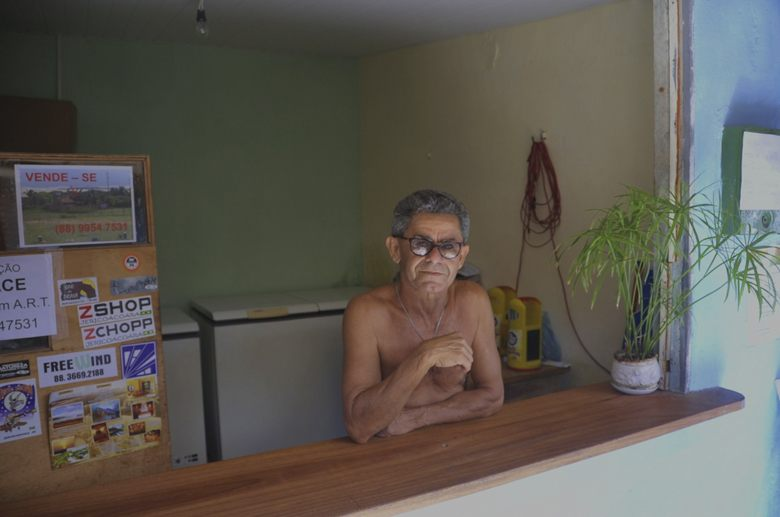 jeri-brazil-beach-juice-man