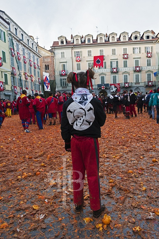 ivrea carnival orange battle