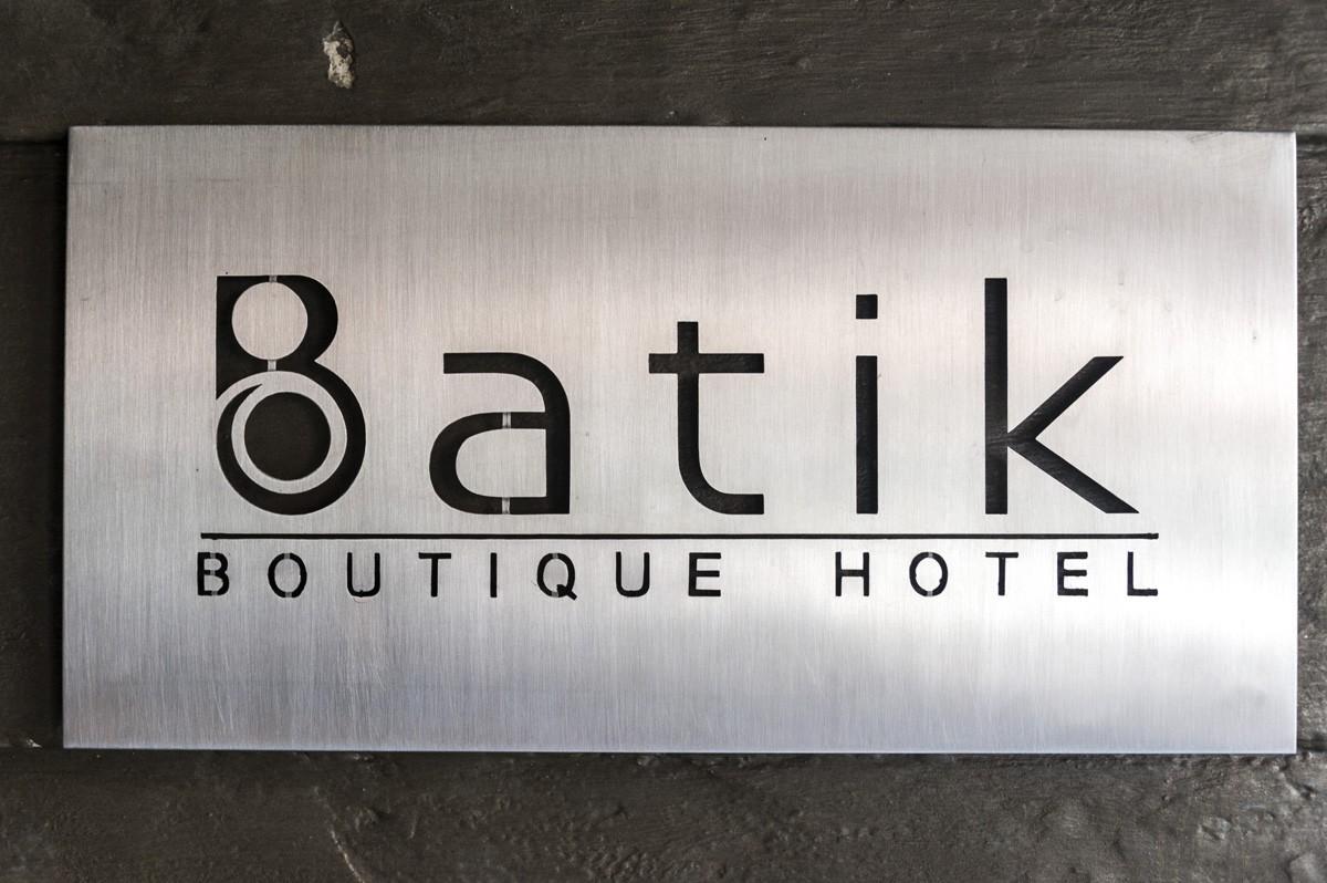 batik hotel sign