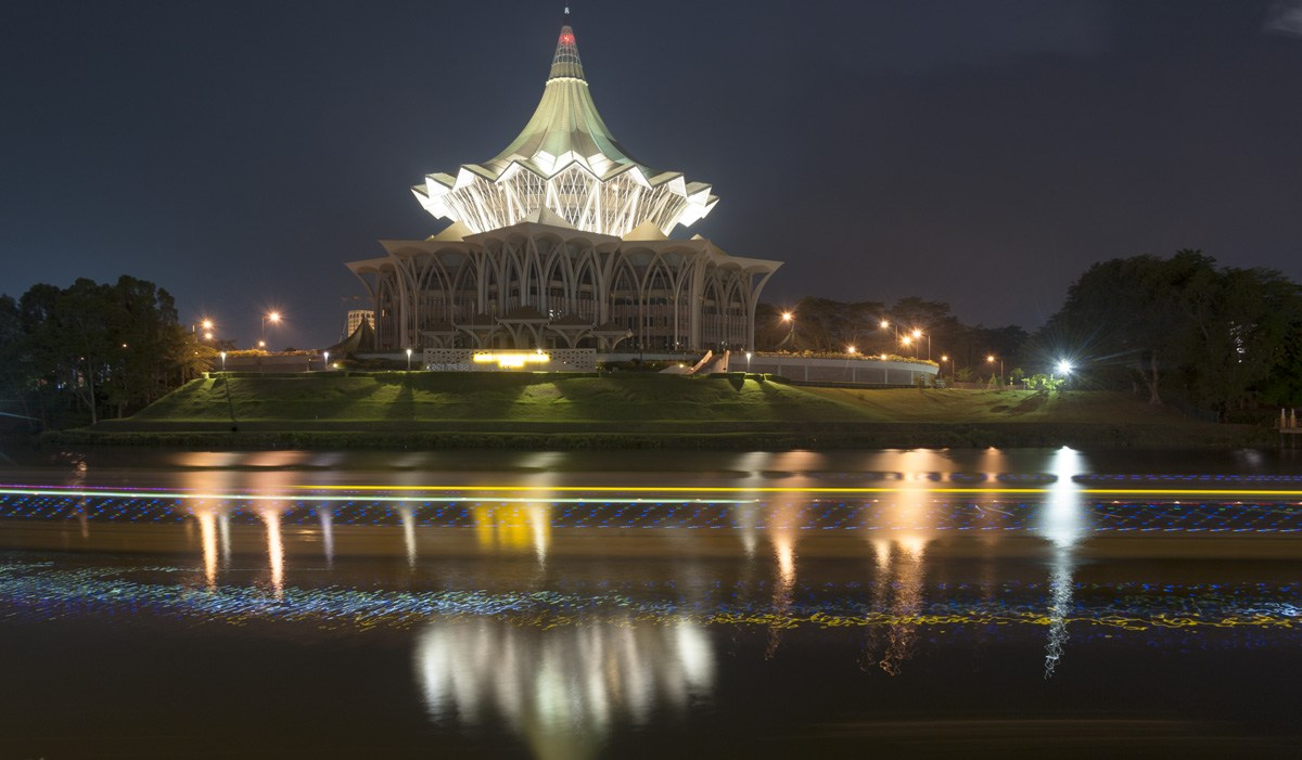 kuching pavillion lit up night