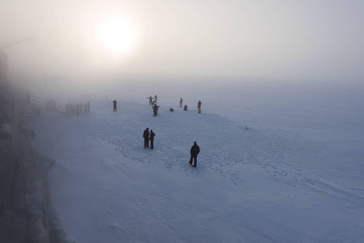 sampo icebreaker people on ice
