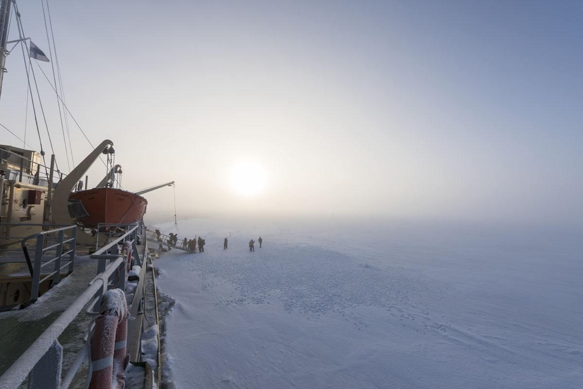 sampo icebreaker ship people