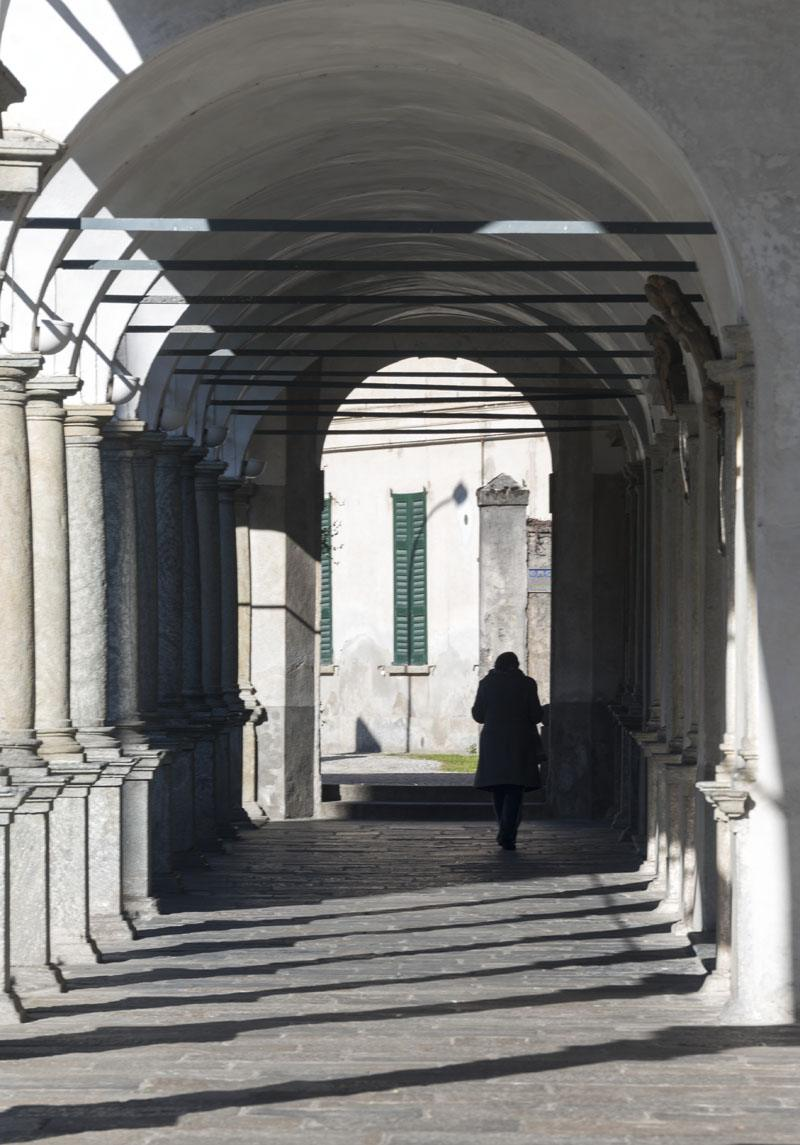 chiavenna collegiata san lorenzo porches