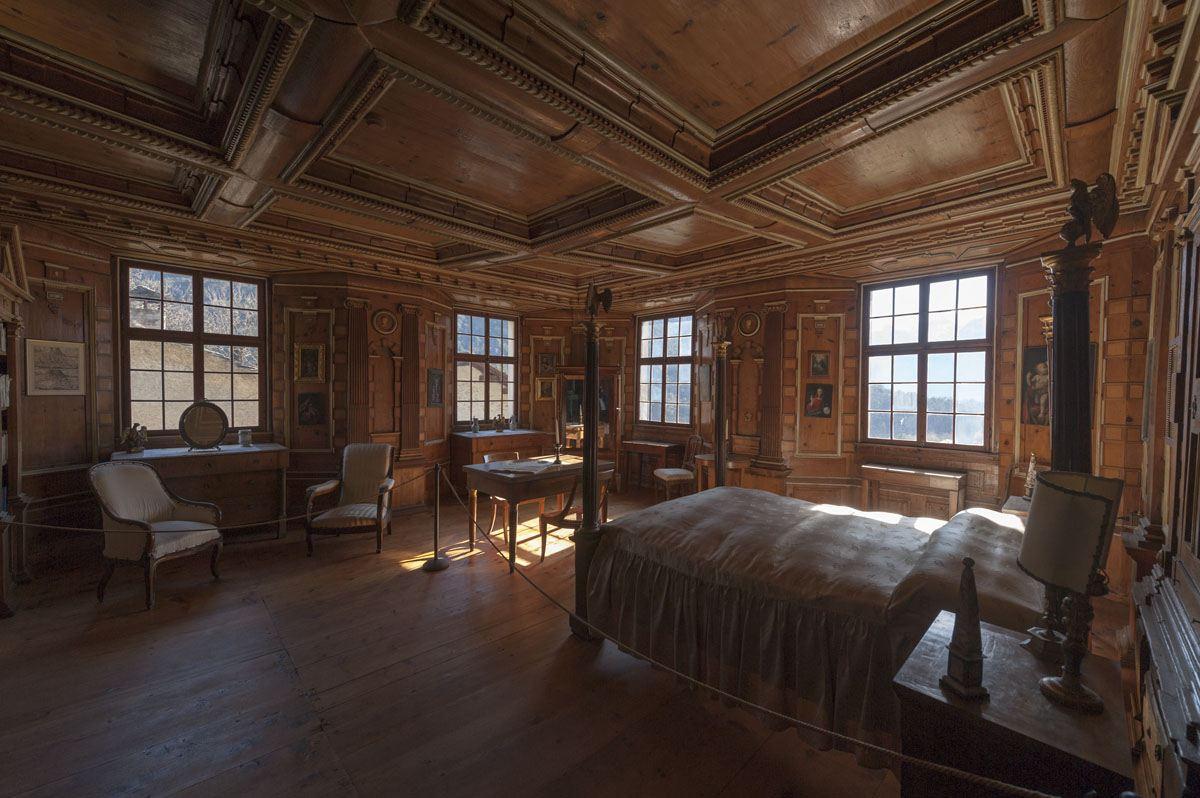 wood room palazzo vertemate franchi