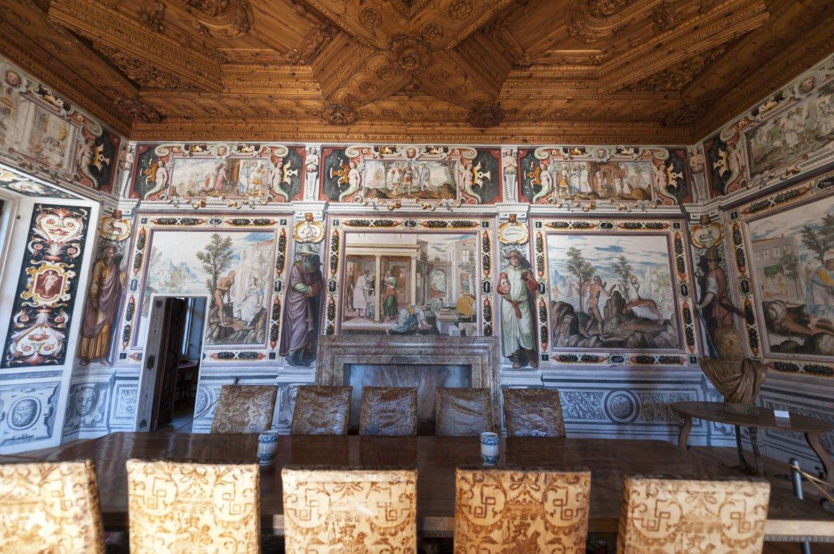palazzo vertemate franchi renaissance frescoes
